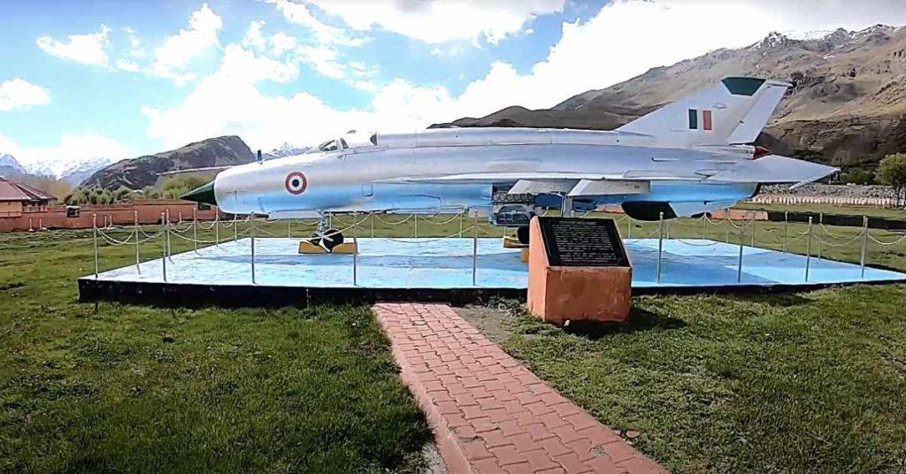 Dras war memorial Mig 21